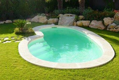 Como pintar una piscina o alberca piscinas y albercas for Casas con piscina interior fotos