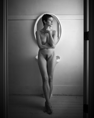 nude art photography Akt glamour photography fine art photos black and white ...
