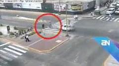 Imprudente mujer casi muere atropellada en el Callao