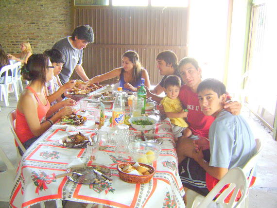 un buen almuerzo en familia.