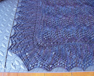 close up of print o' the wave shawl