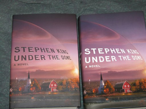 Stephen King's Under the Dome dust jacket