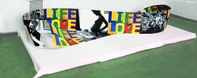 №10 Placard object life is love