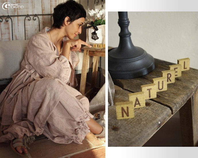 Déborah s'amuse avec des petites lettres en bois d'un jeu ancien