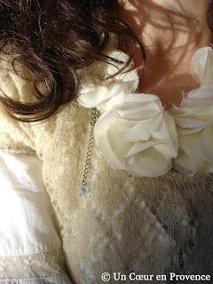 Collier de fleurs en tissu