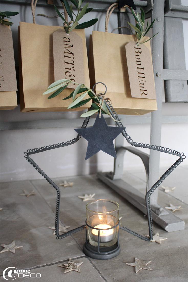 Photophore en fil de fer forme étoile Braxton Home Collection, étiquette étoile en zinc Un esprit en plus