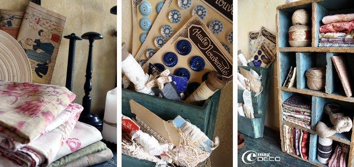 Piles de vieux tissus, collection de bobines et de porte-chapeaux