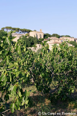 Sérignac, hilltop village typical in Provence