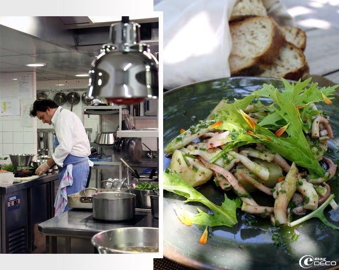 Armand Arnal dans la cuisine de La Chassagnette