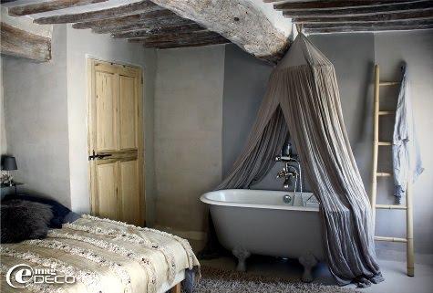 Une chambre de maison des propriétaire du Mas de Cink, chambre d'hôtes de charme en Provence