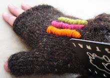 detalle bordado guantes