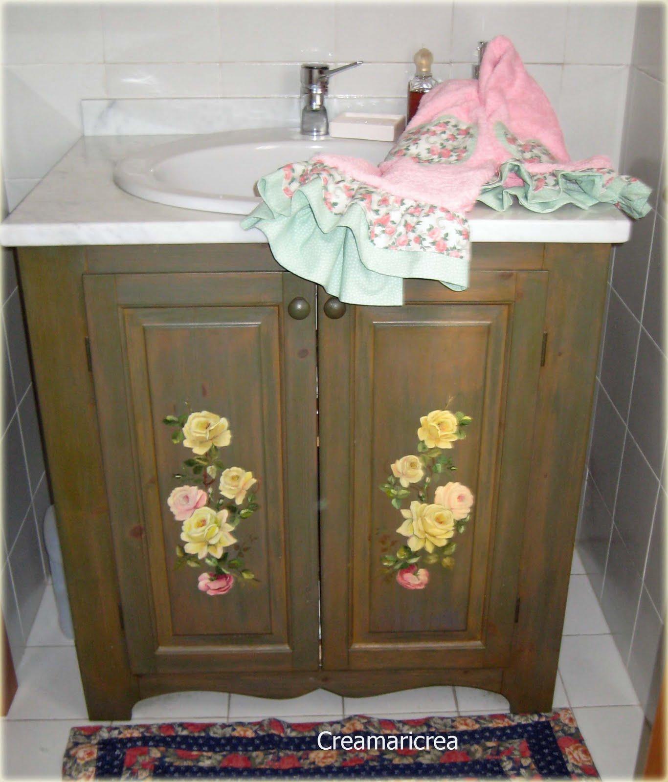 Specchio armadietto bagno - Mobile asciugamani bagno ...