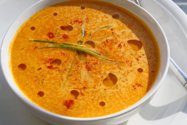 beautiful vegan: Spicy Raw Vegan Carrot Soup!
