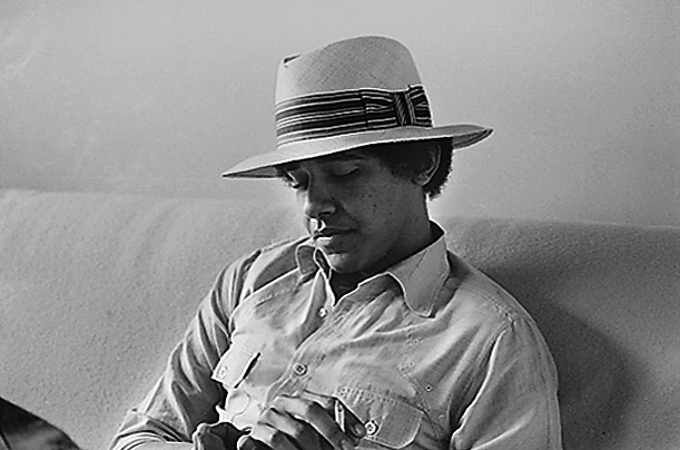 barack obama smoking weed. Obama+smoking+college