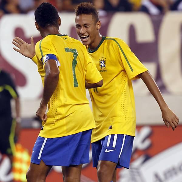 Neymar Daniel Alves Confira Os Boleiros Que Entraram: Zumbaia Zumbi: Timaço, Hein?