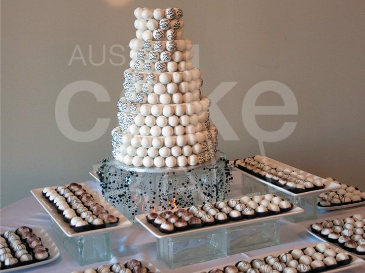 swanky::chic::fete: cake balls are the new cupcakes [cake ball cakes]