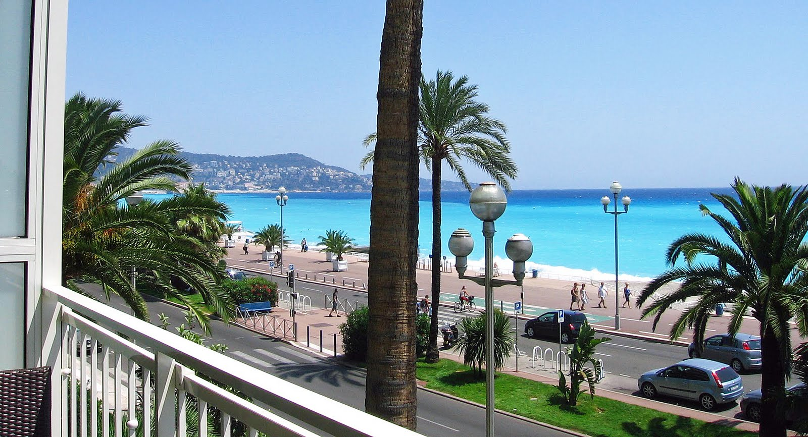 the promenade des anglais blog: superb seafront apartment in nice