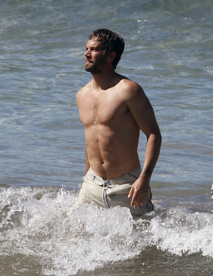 Paul Walker Washboard Abs and Shirtless Pics