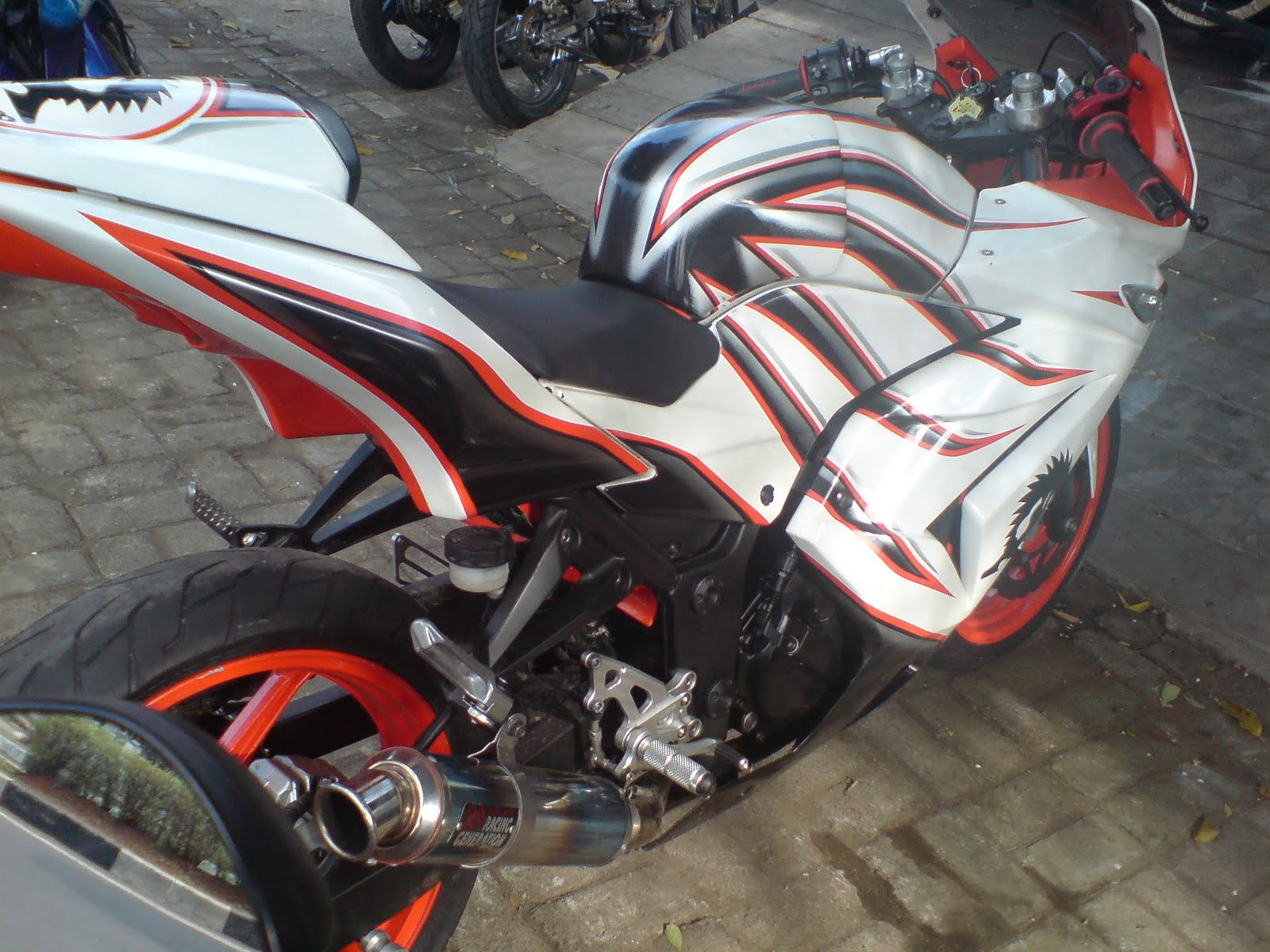 TERIMA PAINTED & AIR BRUSH MODIFIKASI MOTOR..TO UPGRADE YOUR  title=