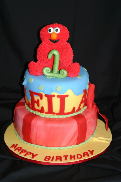 Pink Little Cake: Elmo Cake and a NEW Giveaway Winner