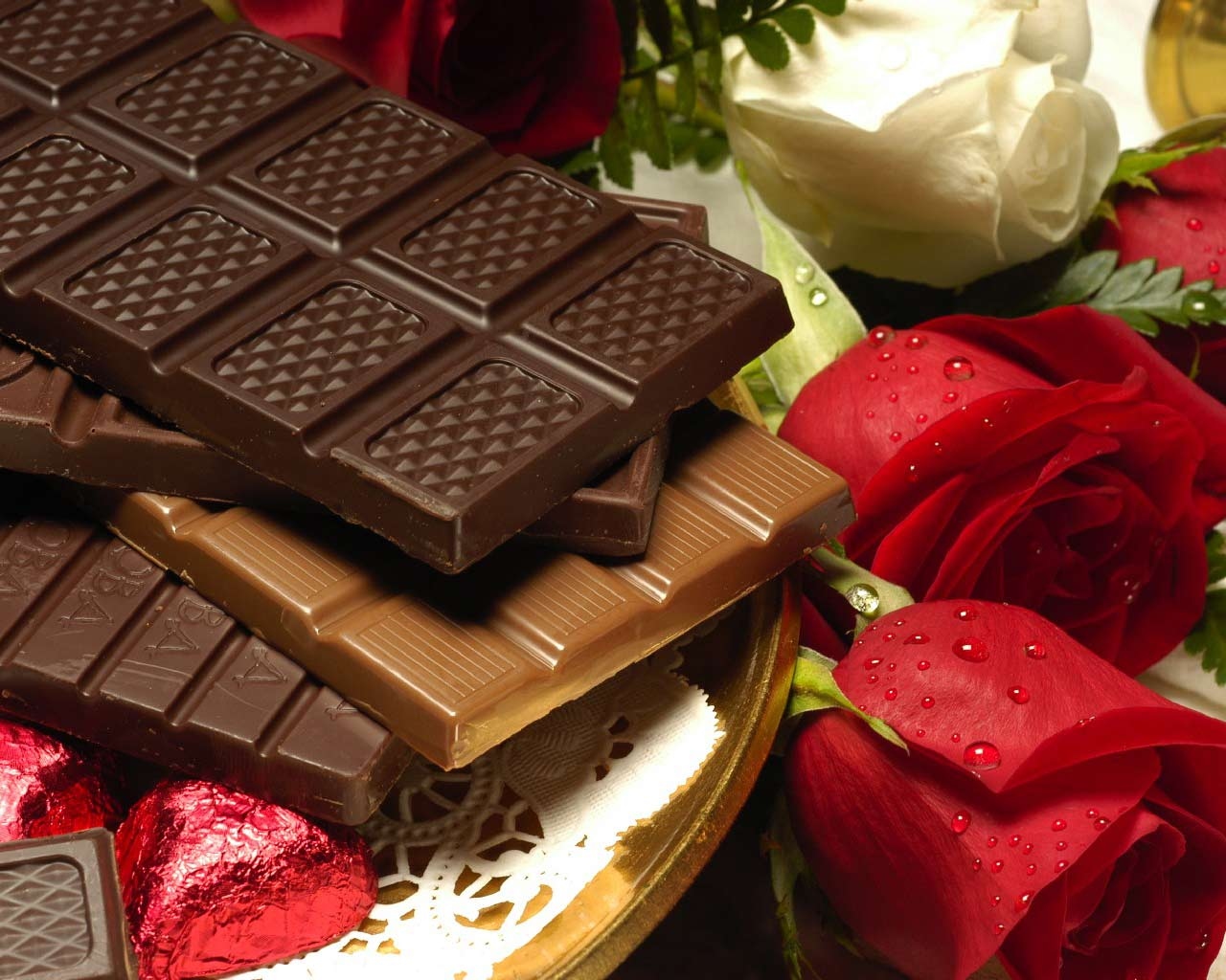 http://4.bp.blogspot.com/_KnMYa8zwDzg/TCmhcLtUEKI/AAAAAAAAALE/tWlo0x9Mhj8/s1600/Sweet-Heart-Chocolate-Wallpaper.jpg