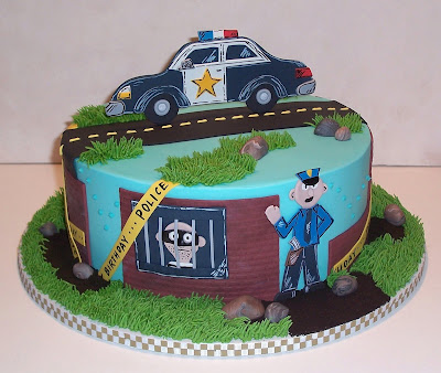 cops and robbers cakes
