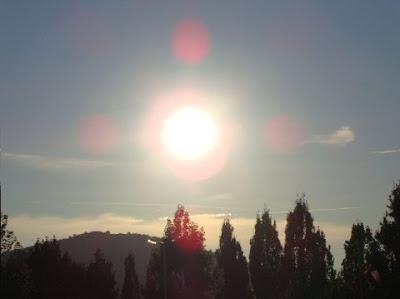 Saib duab txawv txawv Sun+in+Medjugorje++2010