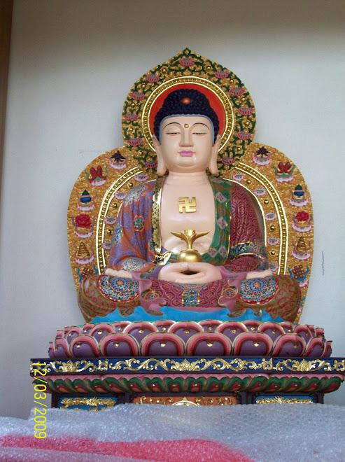 摩尼禅苑殿堂供奉的阿弥陀佛圣像