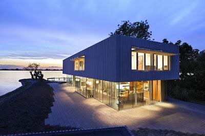 Lake House by Dutch Architect Paul de Ruiter