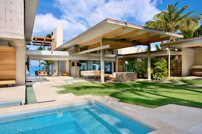 Tropical House in on Maui, Hawaii