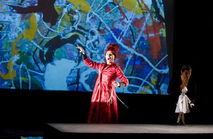 Blogal venerd 20 novembre al teatro sociale di valenza teatro ragazzi alice attraverso lo specchio - Alice dentro lo specchio ...