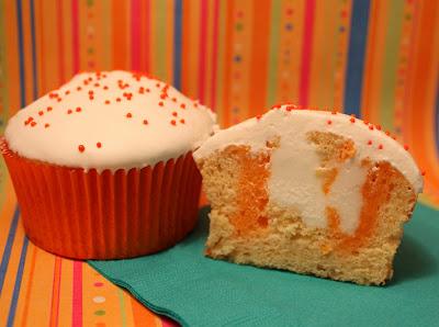 ابرة تتبيل اللحوم وحشو الحلويات creamsicle-cupcake-c