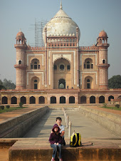 Ellie and Felix in front of Safdarjung's Tomb