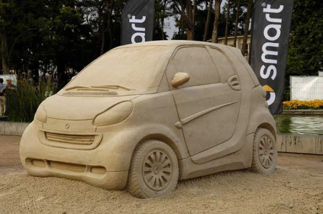 Smart advertising - Smart sand sculpture