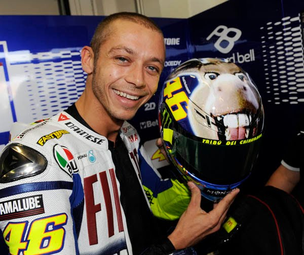 valentino rossi helmet 2011. Rossi had never missed a