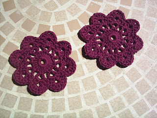 Crochet Flower Pattern Thread : Look What I Found!: Yarn Leftovers - Free Coaster/Flower ...