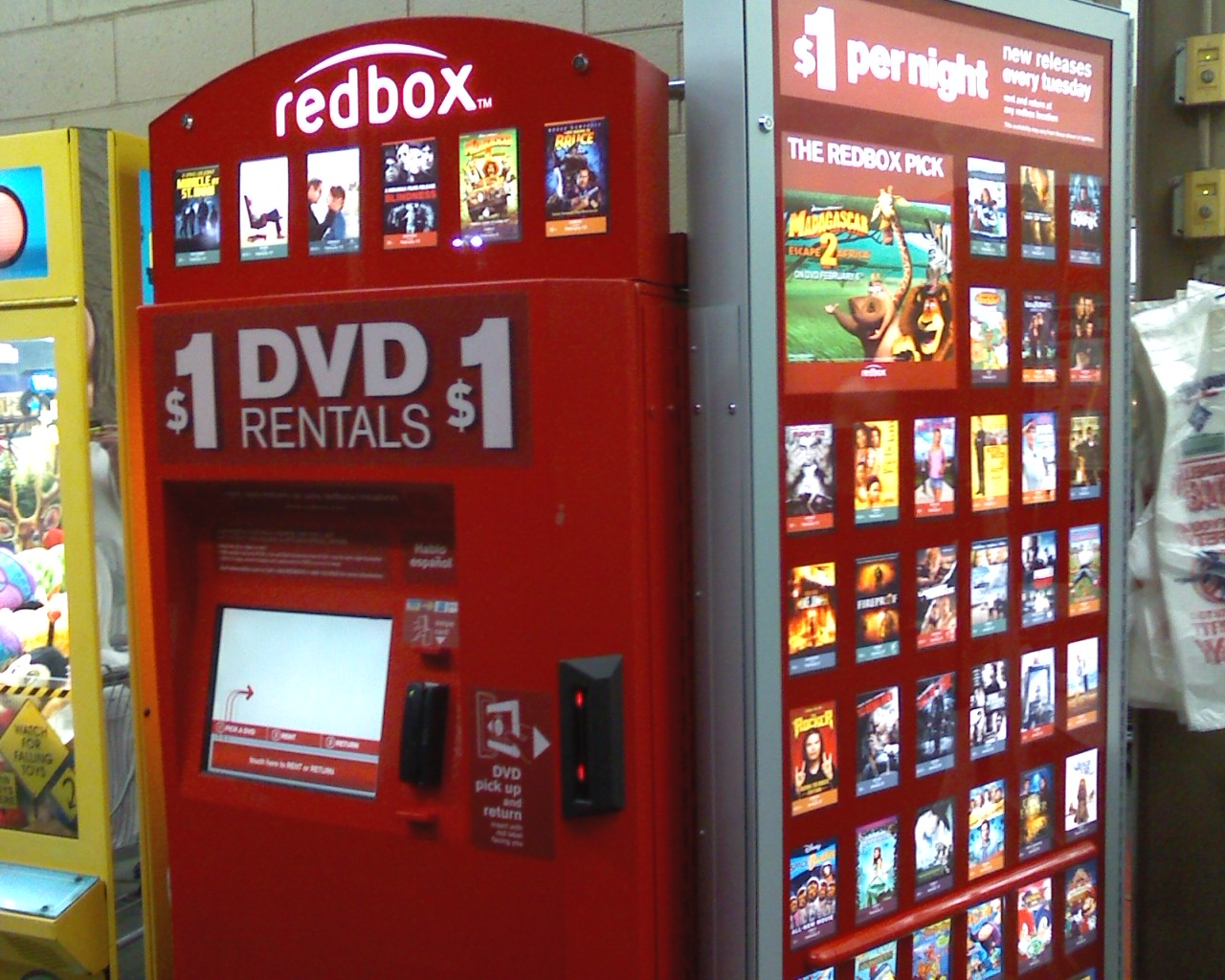 About Back to the Movies. Back to the Movies is Redbox's new movement to reignite a nationwide love of Movie Nights in the age of binge-watching.