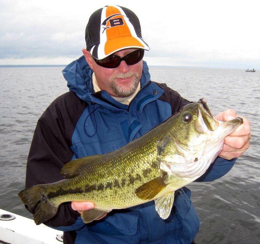 Port of oswego marina fishing report 8 for Oswego fishing report