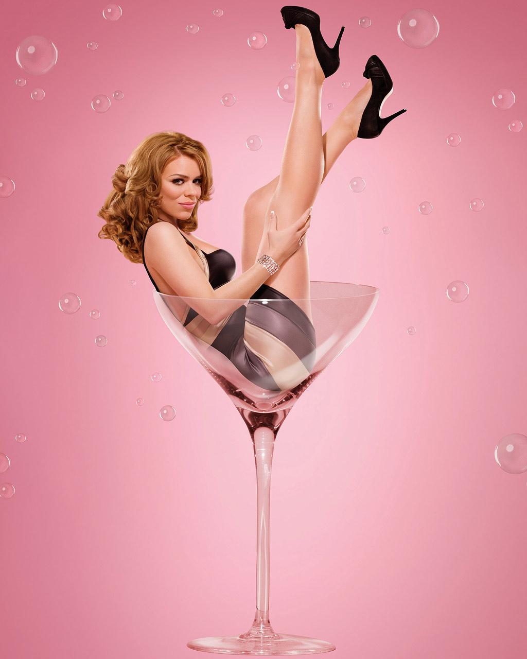 http://4.bp.blogspot.com/_KxFlNKLW7Mk/S9tIDhqcbiI/AAAAAAAAAcI/Tcaymc9X7i0/s1600/martini-glass-billie-piper.jpg