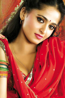 anushka vedam photos Anushkha Shetty in Looking Sexy Red Hot Saree