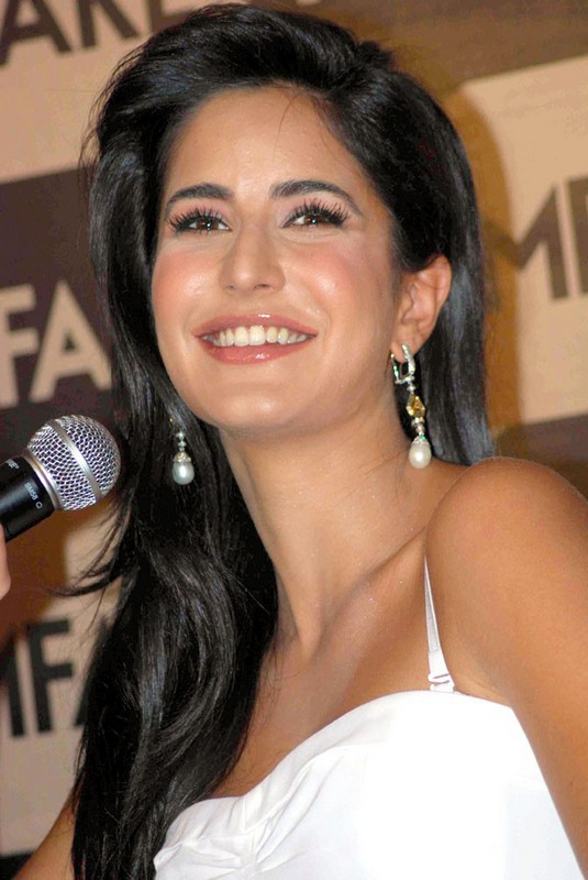 Check out the new photos of Katrina Kaif at an event.