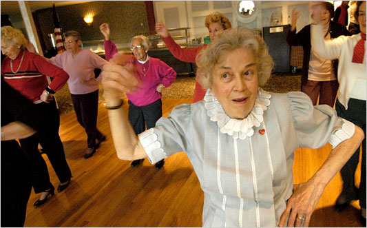 Lakewood Villa has tons of assisted living activities, including dancing