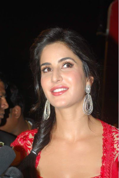 katrina kaif promoting tees maar khan at zee rishtey awards