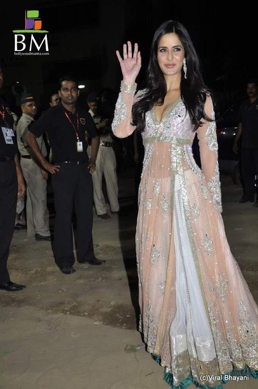 Katrina kaif at th FilmFare awards photos unseen pics
