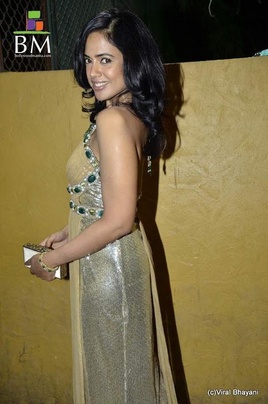 Sameera reddy at th Idea Filmfare Awards photos unseen pics
