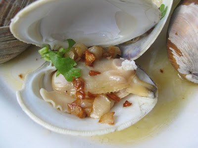 clams wooooh less then 30 minutes i have my cherry stone clam steamed ...
