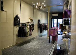 Ropa moderna tiendas de ropa famosas for Disenos de tiendas de ropa modernas