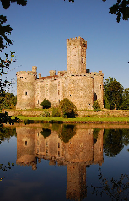 Castelo de Montbrun, Limousin, França