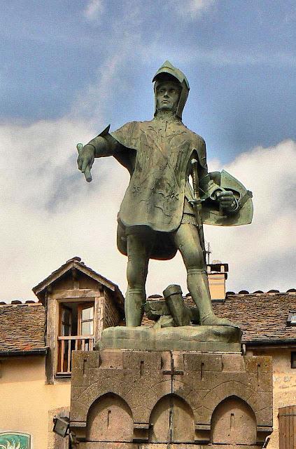 Bertrand du Guesclin, estatua em Chateauneuf de Randon