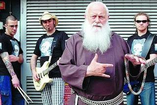 Capuchino metaleiro, Luz de Cristo x Trevas da razão